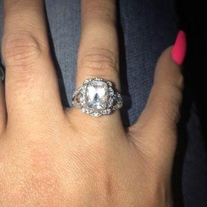 Designer Lorenzo Diamonique ring